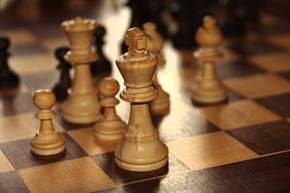 https://thegeopolity.com/wp-content/uploads/2019/11/320px-Chess-king.jpg
