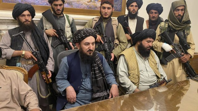 https://thegeopolity.com/wp-content/uploads/2021/08/TalibanPresPalace-640x360.jpg
